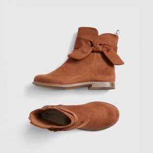 Gap Kids Brown Bow Boots